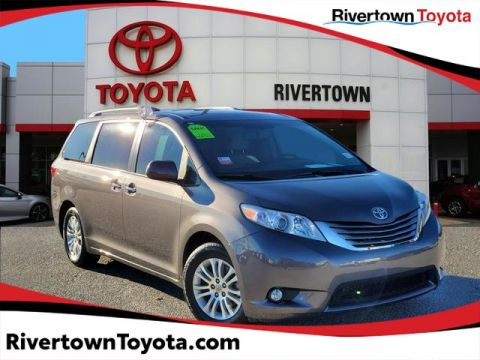 Certified Pre-Owned 2017 Toyota Sienna Limited Premium Front Wheel Drive Mini-van, Passenger - In-Stock