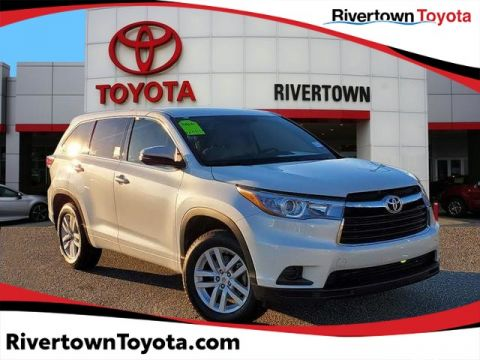 Certified Pre-Owned 2015 Toyota Highlander LE Front Wheel Drive SUV - In-Stock